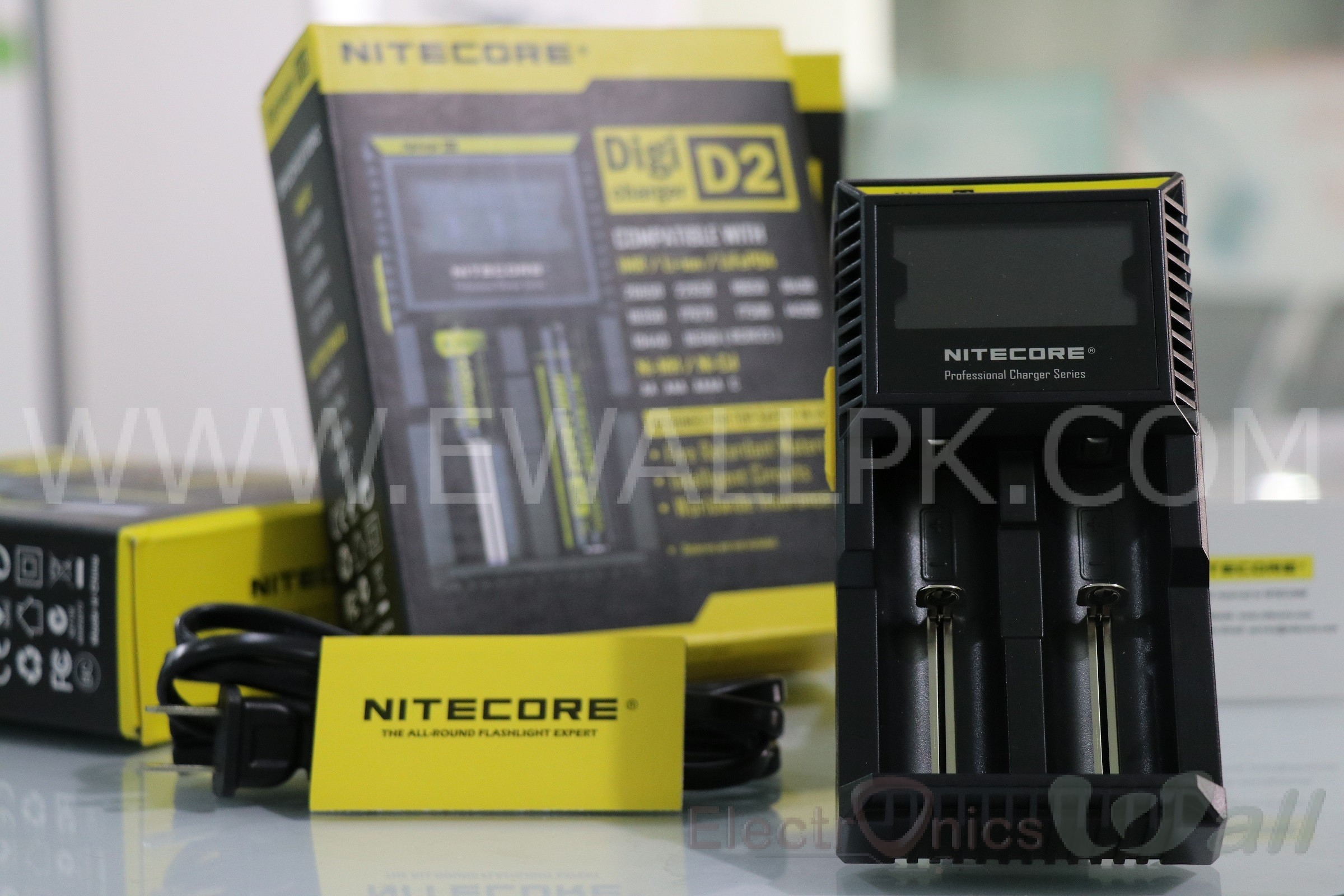 Nitecore Charger (Compatible With IMR / Li-ion / LiFePO4 )